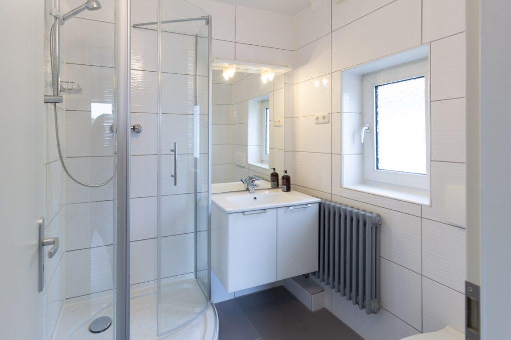Bad im Gästehaus Lemberger Holzwickede Wohnungen für Bauarbeiter und Montagearbeiter